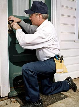 Emergency locksmith services on the job